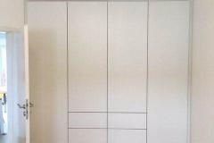 Kleiderschrank-Multiplex